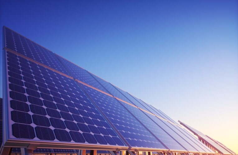 6 Benefits of a Solar Panel Home
